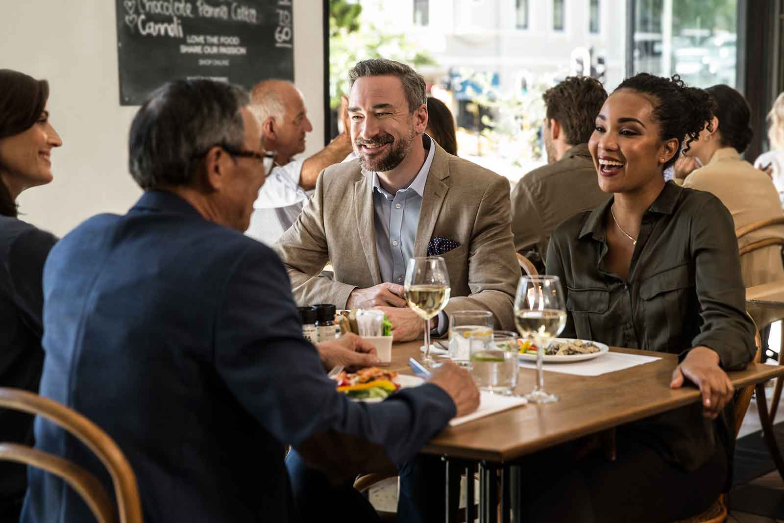 Hearing aid satisfaction is high in restaurants with EVOKE smart hearing aids